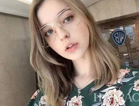俄罗斯美女未婚妻美若天仙,为什么婚后就秒变大妈?原因很简单